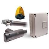 Kompletny Zestaw KingGates LINEAR 500 24V do bram skrzydłowych o długości do 4,5m + Lampa