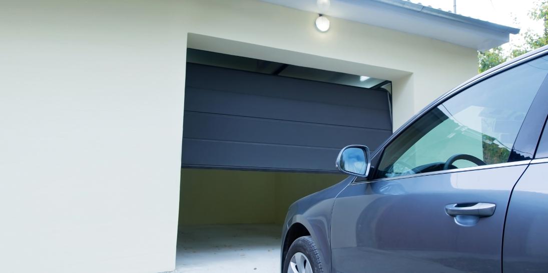 Jak dobrać napęd do bramy garażowej?