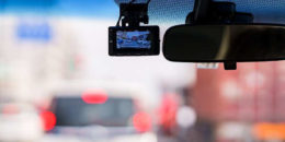 Samochodowe rejestratory jazdy – co warto wiedzieć?